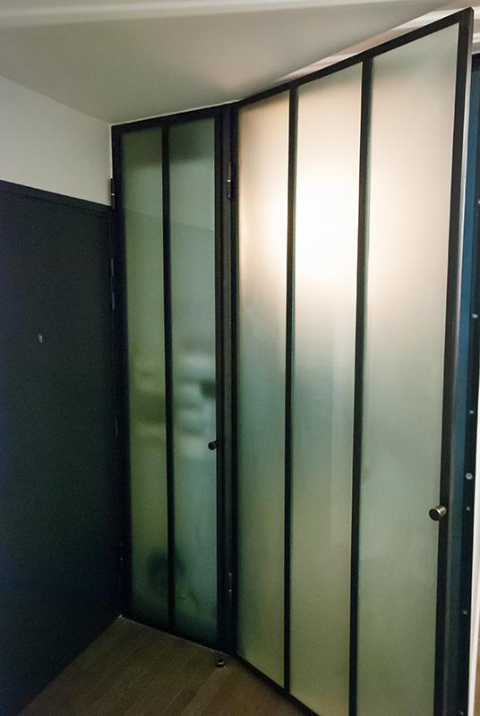 Portes et hotte en m tal et verre d poli les ateliers du 4 - Cloison verre et metal ...