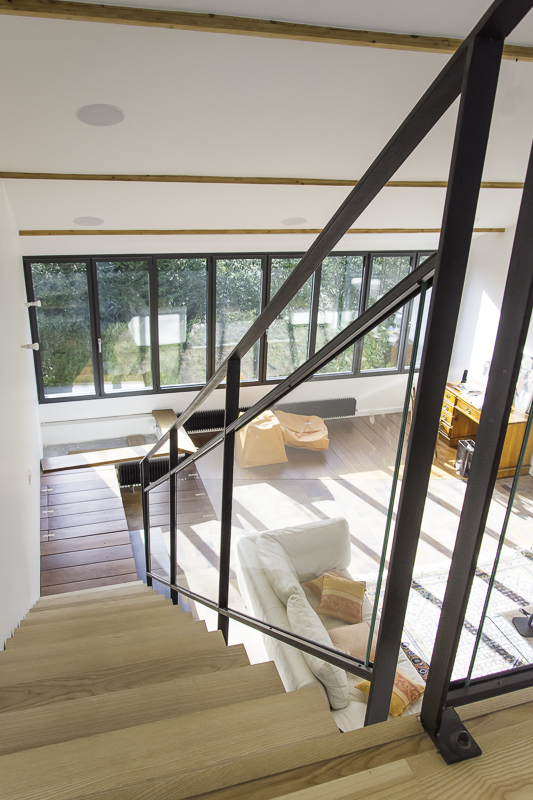 Escalier cr maill re en acier bois et verre les ateliers du 4 - Escalier bois et acier ...