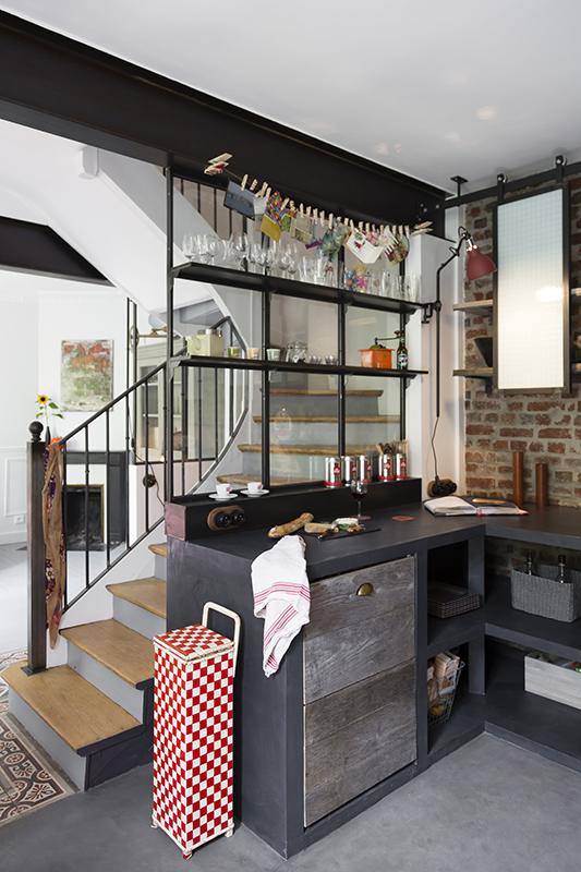 Verri res et tag res de style indus les ateliers du 4 for Cuisine vitree style atelier